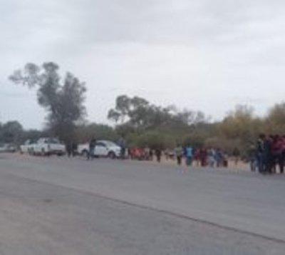 Nativos cierran ruta Transchaco y piden urgente ayuda alimentaria