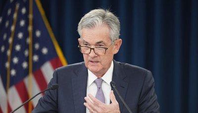 Powell atribuye recorte de tasas de interés en EEUU a ralentización y dudas comerciales