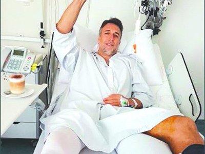 Batistuta cambió su tobillo por una prótesis