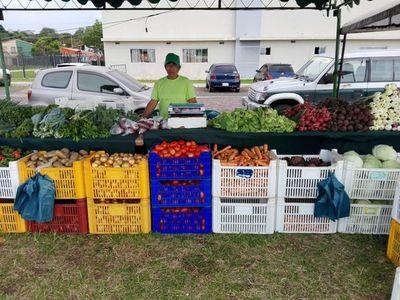 """""""Feria Granjera"""" en la Costanera de Asunción"""