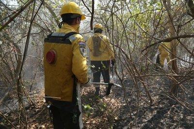 CAF entrega donación adicional para combate a incendios forestales en el Chaco