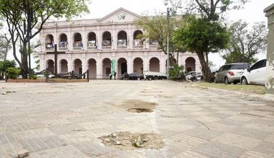 Prometieron reparar plaza, pero esperan iniciativa de la Comuna