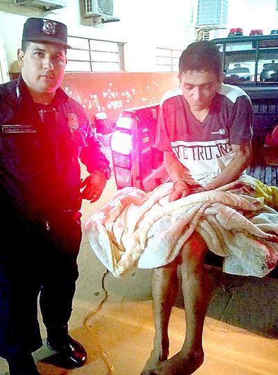 Persiguen y detienen a marginal que asaltó a pasajeros de un colectivo
