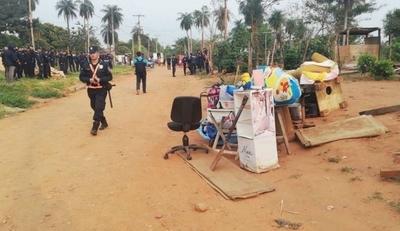 HOY / Desalojan a 50 familias en Limpio: ocupantes ingresaron sin título y bajo engaños de dirigente