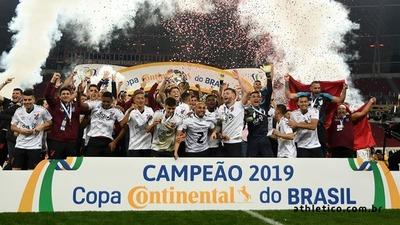 Paranaense derrota a Internacional y se lleva la Copa Brasil