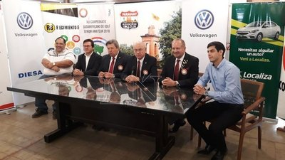 El Sudamericano de golf senior se alistó en línea de salida