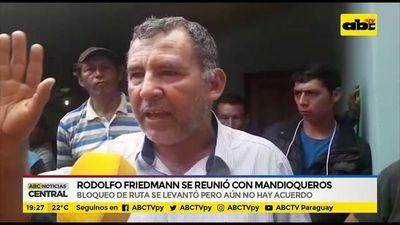 Rodolfo Friedmann se reunió con mandioqueros
