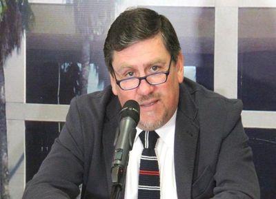 Villamayor debe irse, según Llano