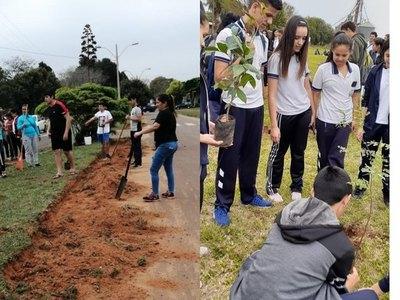 Misiones; celebran semana de la juventud plantando arbolitos