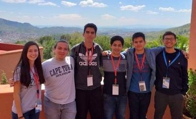 HOY / Joven genio se destaca como líder de equipo paraguayo en olimpiada iberoamericana