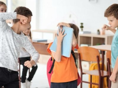 Papá denuncia que profesora le hace bullying a su hijo