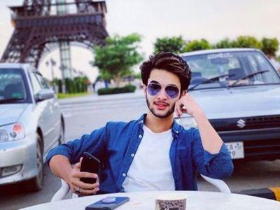 """Un """"influencer"""" pakistaní grabó el accidente donde perdió la vida"""