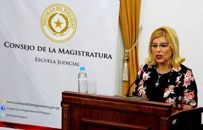 """Caso """"niñera de oro"""": Corte niega permiso a camarista Mirtha González"""