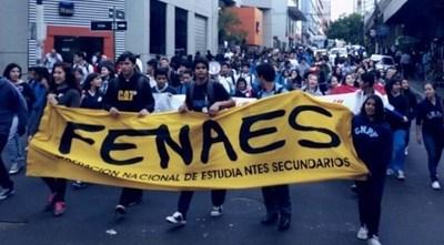"""Secundarios y universitarios anuncian """"semanas de manifestaciones"""""""