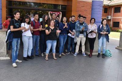 Estudiantes llaman a unión histórica en defensa de la educación