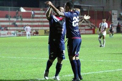 Nacional goleó a domicilio a San Lorenzo
