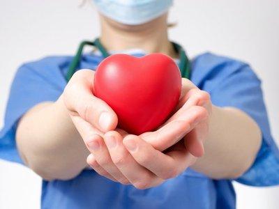 Madre de niña trasplantada alienta a donación de órganos