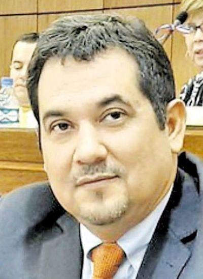 Senador dice que habrá más cambios en Gabinete de Abdo