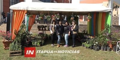 EXPOSICIÓN DE FLORES SE LLEVÓ A CABO EN LA GOBERNACIÓN DE ITAPÚA