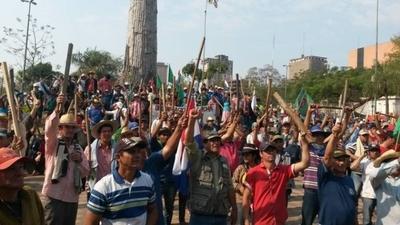 HOY / Obreros, campesinos y nativos  piden presupuesto social y bajan  pulgar a militarizar la seguridad