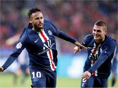 Neymar da el triunfo al PSG en su visita a Lyon
