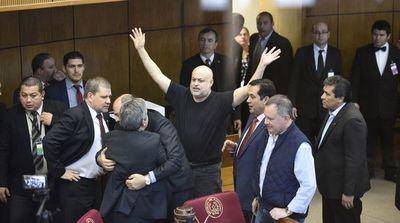 Payo Cubas y Enrique Riera vuelven al Senado tras 60 días de suspensión