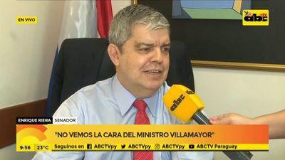 Enrique Riera vuelve a ocupar su banca en el Senado