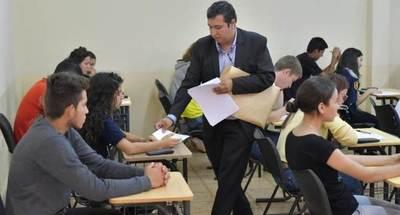 El 60% de los postulantes a becas universitarias de ITAIPU rendirán este viernes en la FIUNA