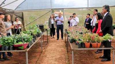 Jóvenes cordilleranos son protagonistas del nuevo Circuito Turístico de las Flores