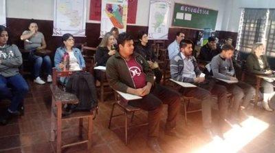 Jóvenes de Presidente Franco inician sus formaciones para ser Guías Turísticos