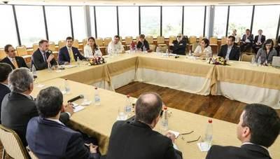 Exministros de Hacienda solicitan prudencia y serenidad con respecto al presupuesto 2020