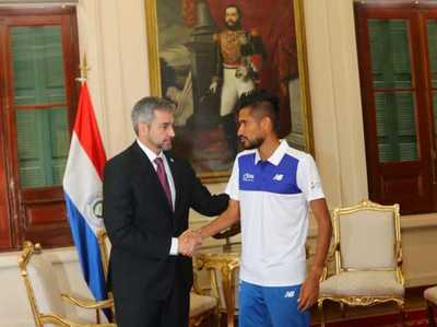 Presidente recibió al campeón sudamericano de la maratón de Buenos Aires