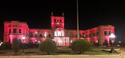 Palacio de López se ilumina de rojo en adhesión al Día Mundial del Corazón que se celebra el 29 de este mes