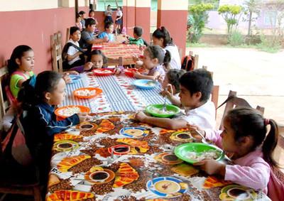 Niños de 37 escuelas de Itakyry castigados por el pésimo servicio de Girasol S.A.