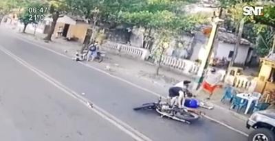 Imprudencia causa accidente entre motos y deja heridos