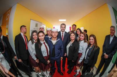 Gobierno inaugura remodelación total de institución educativa en Sajonia