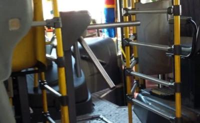 HOY / Tras muerte de joven en bus de la Línea 2, reflota polémica por presencia de molinetes en buses