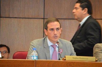 Senador critica proyecto del Ejecutivo por escasos recursos dados a la Policía