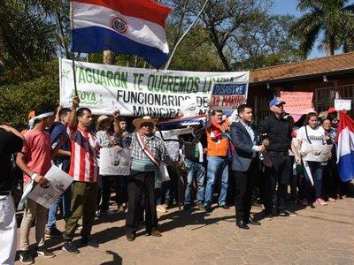 Pobladores de Yaguarón llegan hasta el Mades para rechazar vertedero