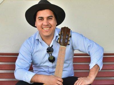 Festejando sus 15 años de carrera Roscer Díaz  lanza disco con ÚH