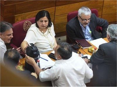 Villamayor se sentará en banquillo de acusados ante los senadores