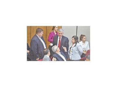 A pesar de la interna abdista, confirmaron a directores de Itaipú