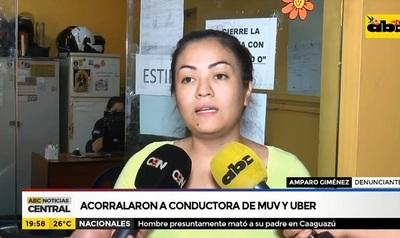 Conductora de Uber cuenta cómo fue acorralada por taxistas