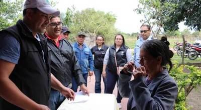 Pobladores de Pilar recibieron anteojos recetados durante jornadas médicas