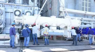 Instalan las primeras piezas de la barra de 500 kV en Yacyretá