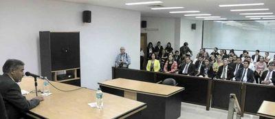 Ministro Ramírez Candia dictó charla en San Juan Bautista