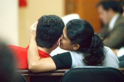 Carmen Villalba y Alcides Oviedo se divorcian por videoconferencia