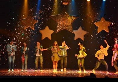 Nueva Función Del Show Joven Lia Love En El Teatro Latino