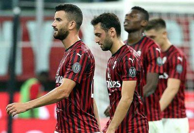 El Milan toca fondo ante la Fiorentina