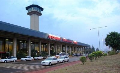 HOY / Paraguay atrae más rutas y frecuencias aéreas de compañías internacionales